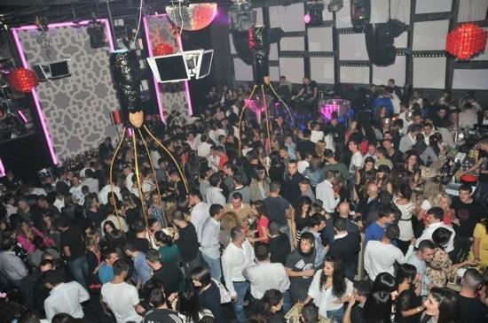 Tirana, Albania: Mumja Club