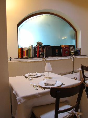 Alberosole: Tavolo per due!!