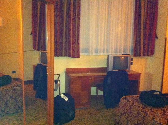 Hotel Colonna: La stanza all'angolo