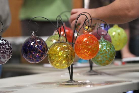 Orbix Hot Glass: Christmas ornaments