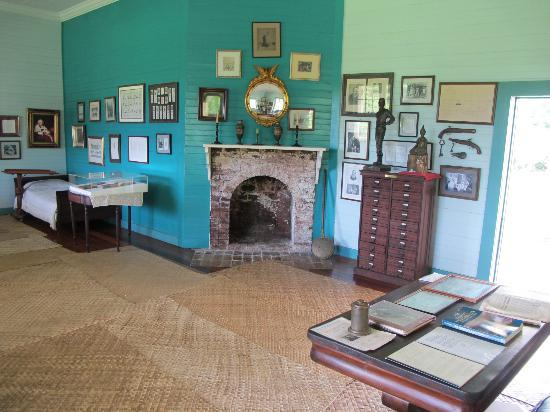 Robert Louis Stevenson Museum : Main room