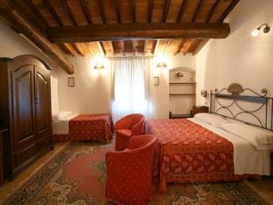 Hotel Collodi: room