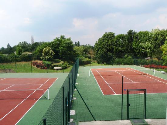 Du Côté de Rueil : Les tennis