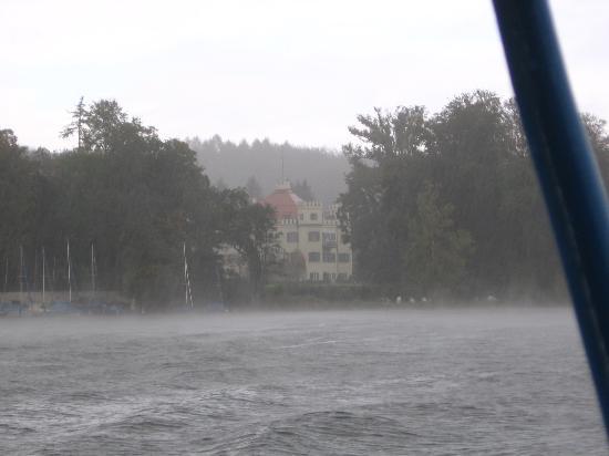 Starnberger See: Schloß Possenhofen in the rain.