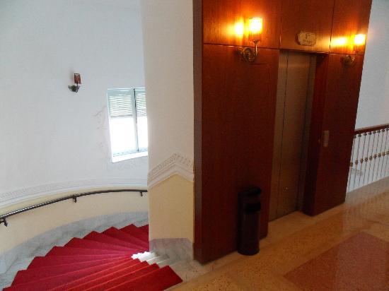 Hotel Majestic : acensseur