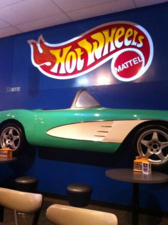 Randy's Wooster Street Pizza : Hot Wheels themed restaurant