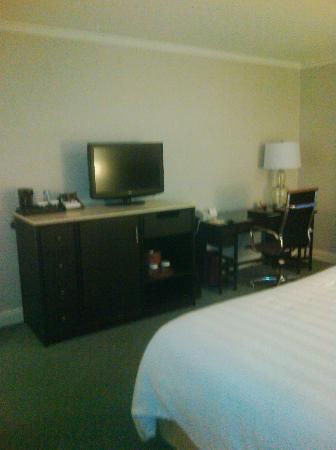 Crowne Plaza Palo Alto: Flat Screen TV