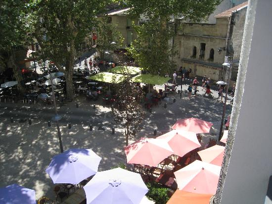 Hotel le Belvedere: Place Voltaire ffrom the balcony