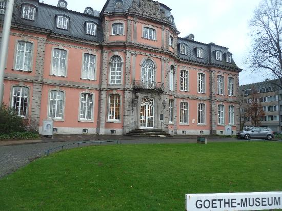 Goethe Museum Dusseldorf : Museum von aussen