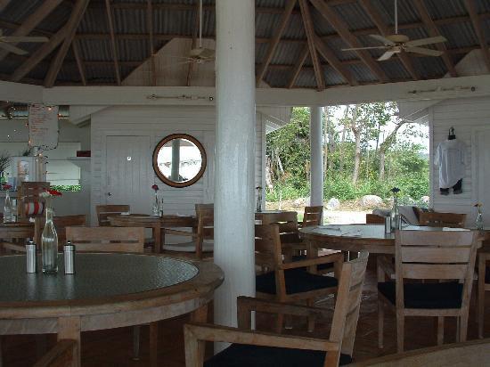 Cades Bay Beach : Cades Bay, Beachside restaurant, Nevis, West Indies (great food & drinks)