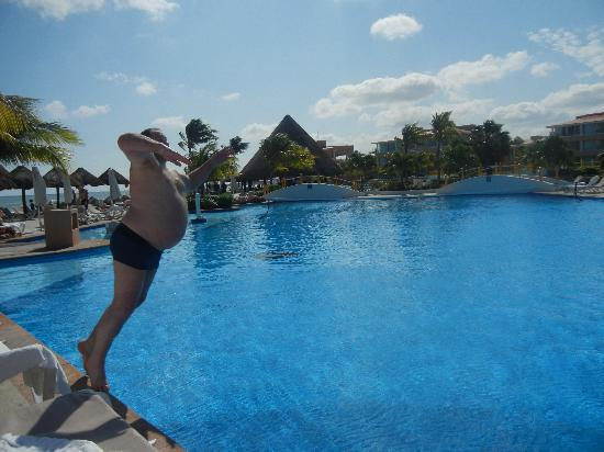 Moon Palace Cancun: Just one of the many pools to enjoy