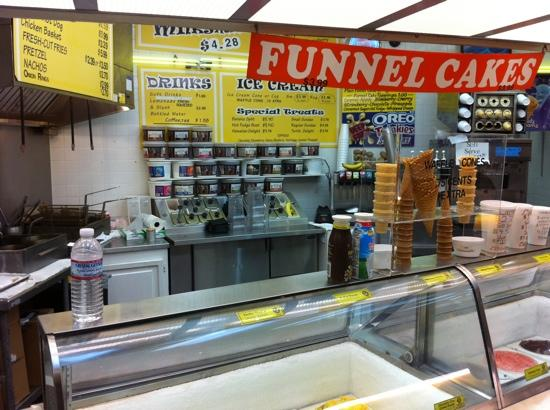 Mayfield Dairy Bar: front counter
