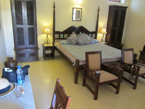 Ratan Vilas: room