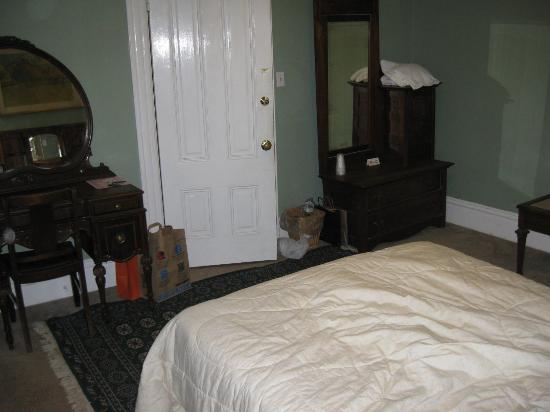 24 Henry: Room 4