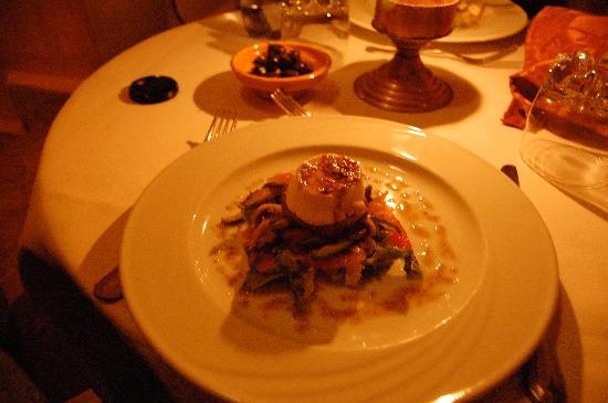 Dar Jnan Tiouira: Appetizer course at dinner