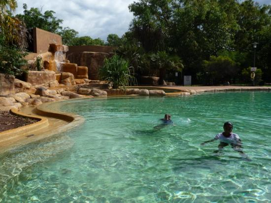 Cooinda Lodge Kakadu: Large pool