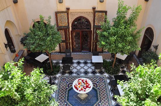 Riyad Al Moussika: courtyard
