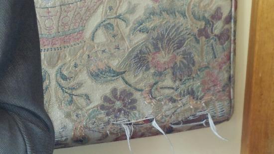 Chez Ben Diner: Peeling cushion