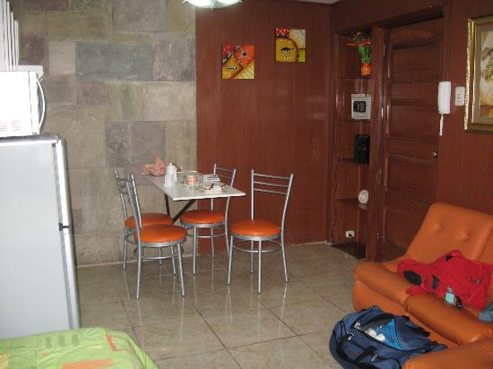 Machu Picchu Suites: The eating area of my suite