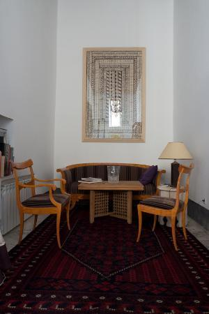 La Maison Maure ( Riad in Fes ): classic reading room on the ground floor