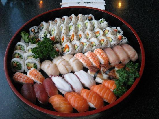 Suisha Gardens: sushi party platter