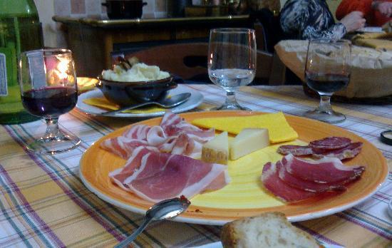 """Santo Stefano del Sole, Italie : Una parte dell'antipast """"freddo""""..."""