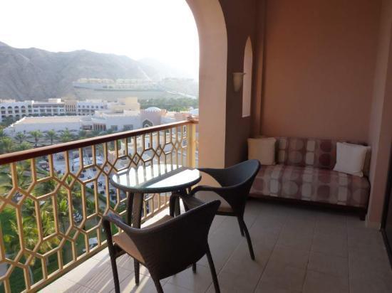 Shangri La Barr Al Jissah Resort & Spa-Al Husn : Al Husn sea view balcony