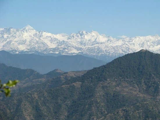 Dhanaulti, India: Majestic views of the Himalayas