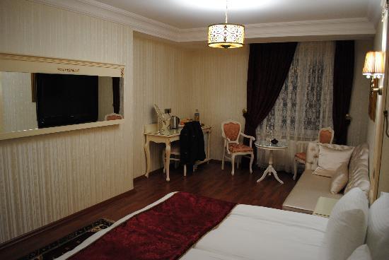 Muyan Suites: Großes Zimmer