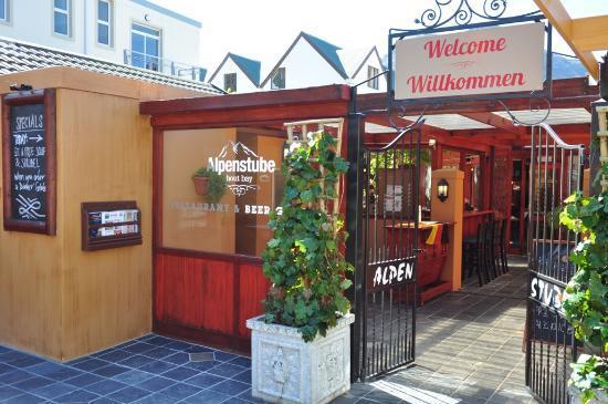 Alpenstube Restaurant and Beer Garden : Alpenstube Entrance