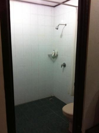 Grand Barong Resort: Entire bathroom was disgusting