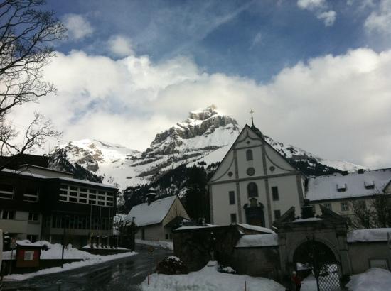 Hotel Bellevue-Terminus: Kloster