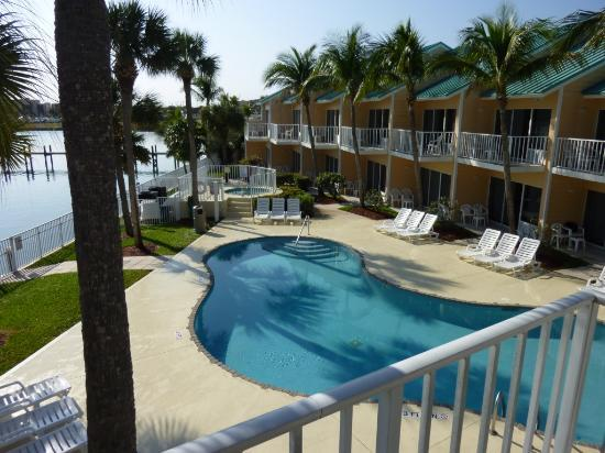 Jupiter Waterfront Inn: View from balcony