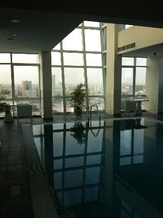 Ramada Encore Doha: Top floor pool