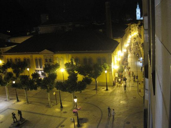 Sercotel Portales Hotel : View at night from hotel room window