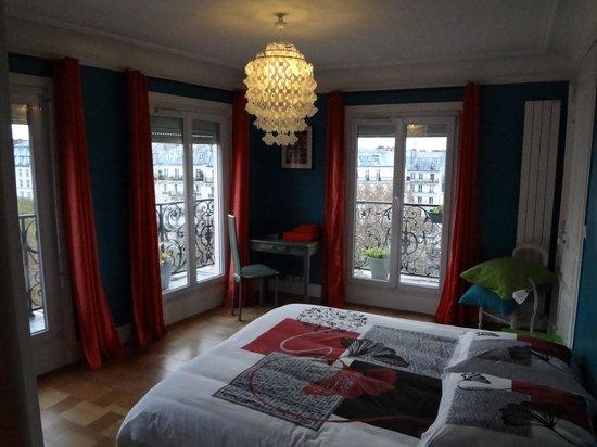 Appartement d'hotes Folie Mericourt : Master bedroom