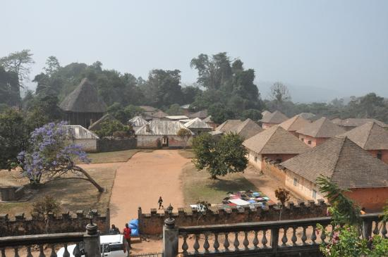 ‪‪Bamenda‬, الكاميرون: Fom's palace near Bafut, on western ring road‬