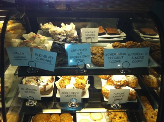 Opus Espresso & Food Bar: breakfast and sweets