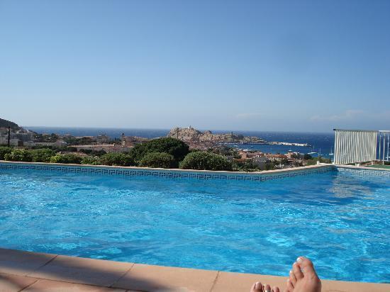 Hotel Funtana Marina: À la piscine