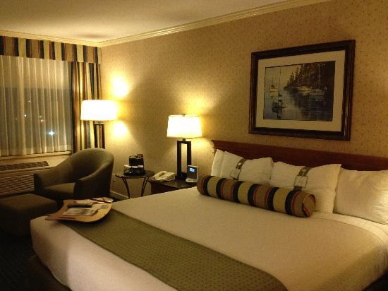 Holiday Inn Vancouver Airport: The room