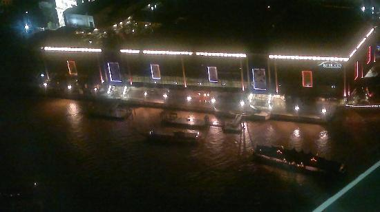 Amarin Inn: Bangkok river from  hilton millinium top floor.