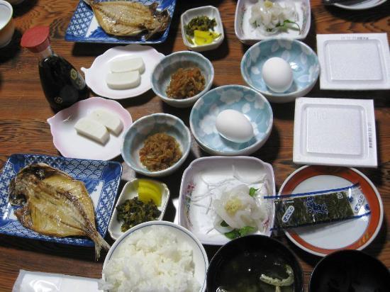 Minshuku Nozaki : 朝食もまともです