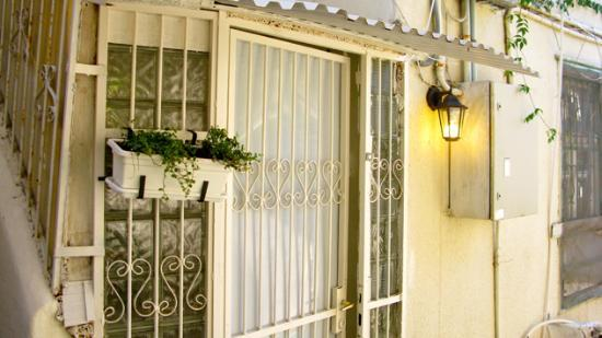 Villa Vilina Oasis in Neve Tzedek: Entrance