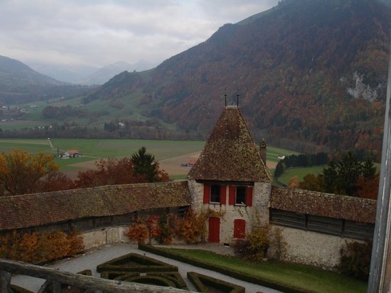 Gruyeres, Switzerland: Vue chateau
