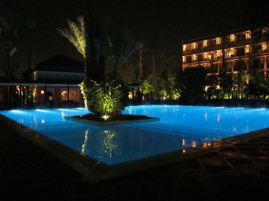 La Mamounia Marrakech: heated pool at night