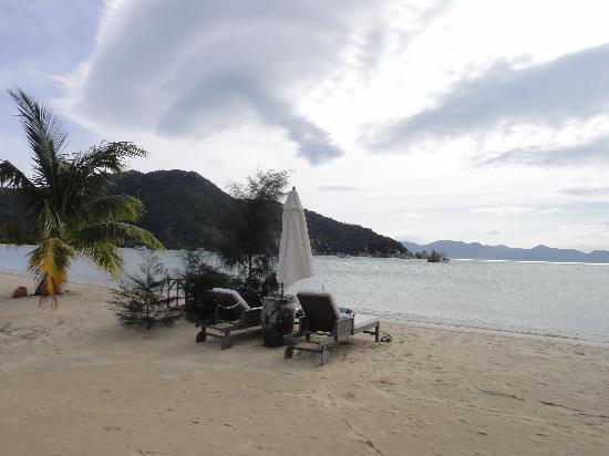 An Lam Ninh Van Bay Villas: на пляже