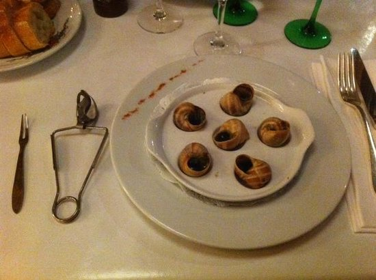 Aux Trois Chevaliers : Escargot starter that was the best ever.