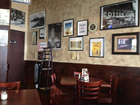 Russo's New York Pizzeria : NYC Photos line the wall