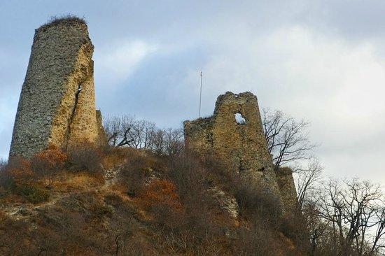 Ujarma Fortress: Ujarma: an abandoned castle of Iberian king Vakhtang I Gorgasali