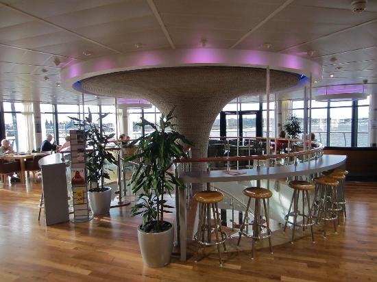 RNLI College: Slipway Bar at RNLI Training College Poole